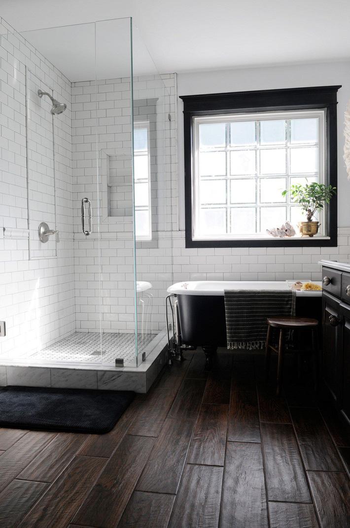 mẫu phòng tắm đen - trắng sinh động