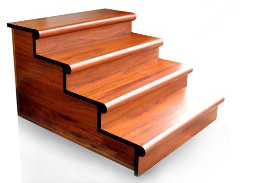 cầu thang liền mũi bậc