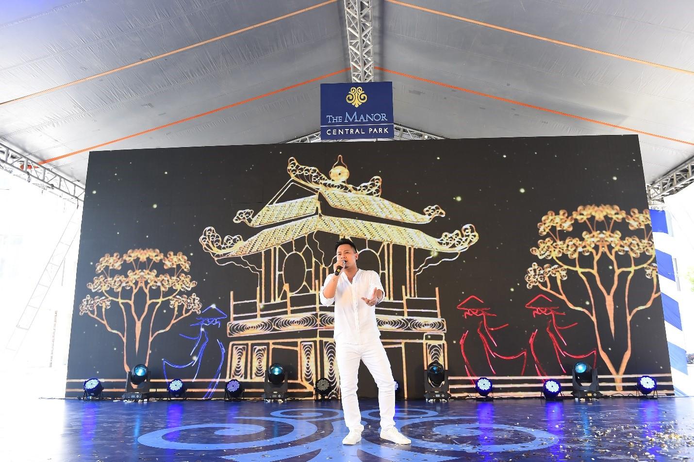 Ca sĩ Nguyễn Đức Cường