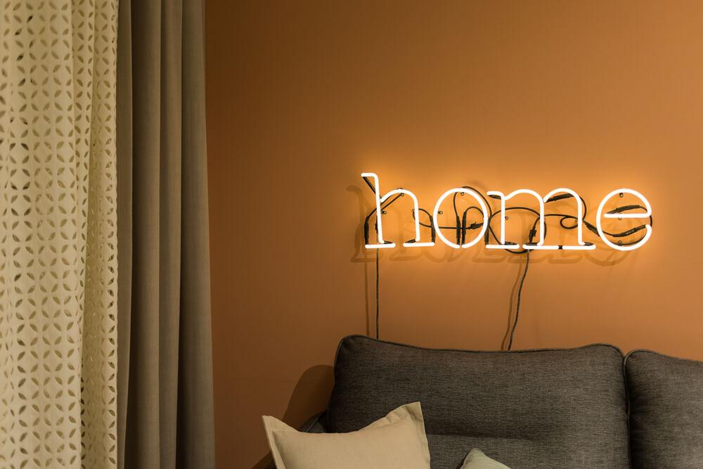 Trang trí nội thất với đèn neon