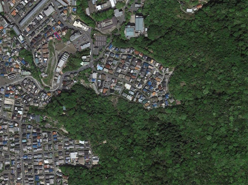Cảnh sắc thiên nhiên hòa lẫn nhịp sống dân cư trong ngôi nhà cấp 4 ở Nhật
