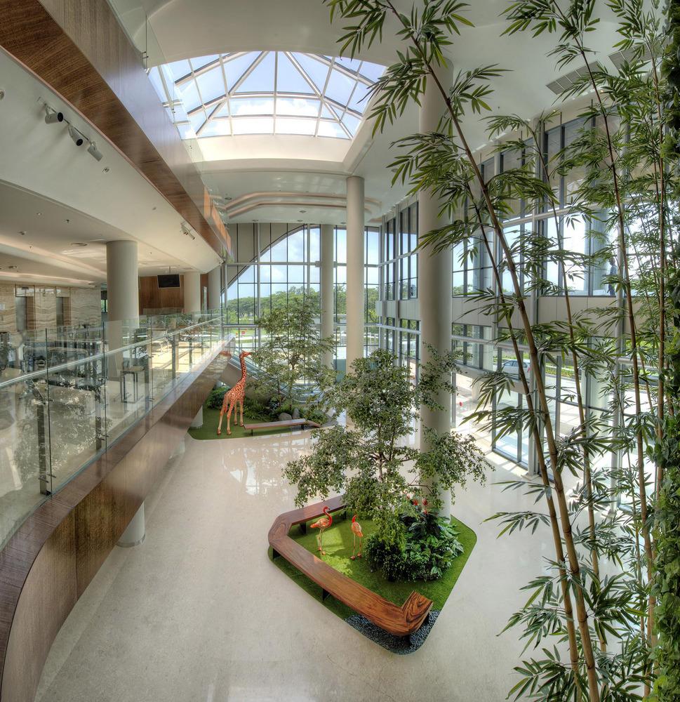 Bệnh viện xanh mướt như công viên ở Indonesia