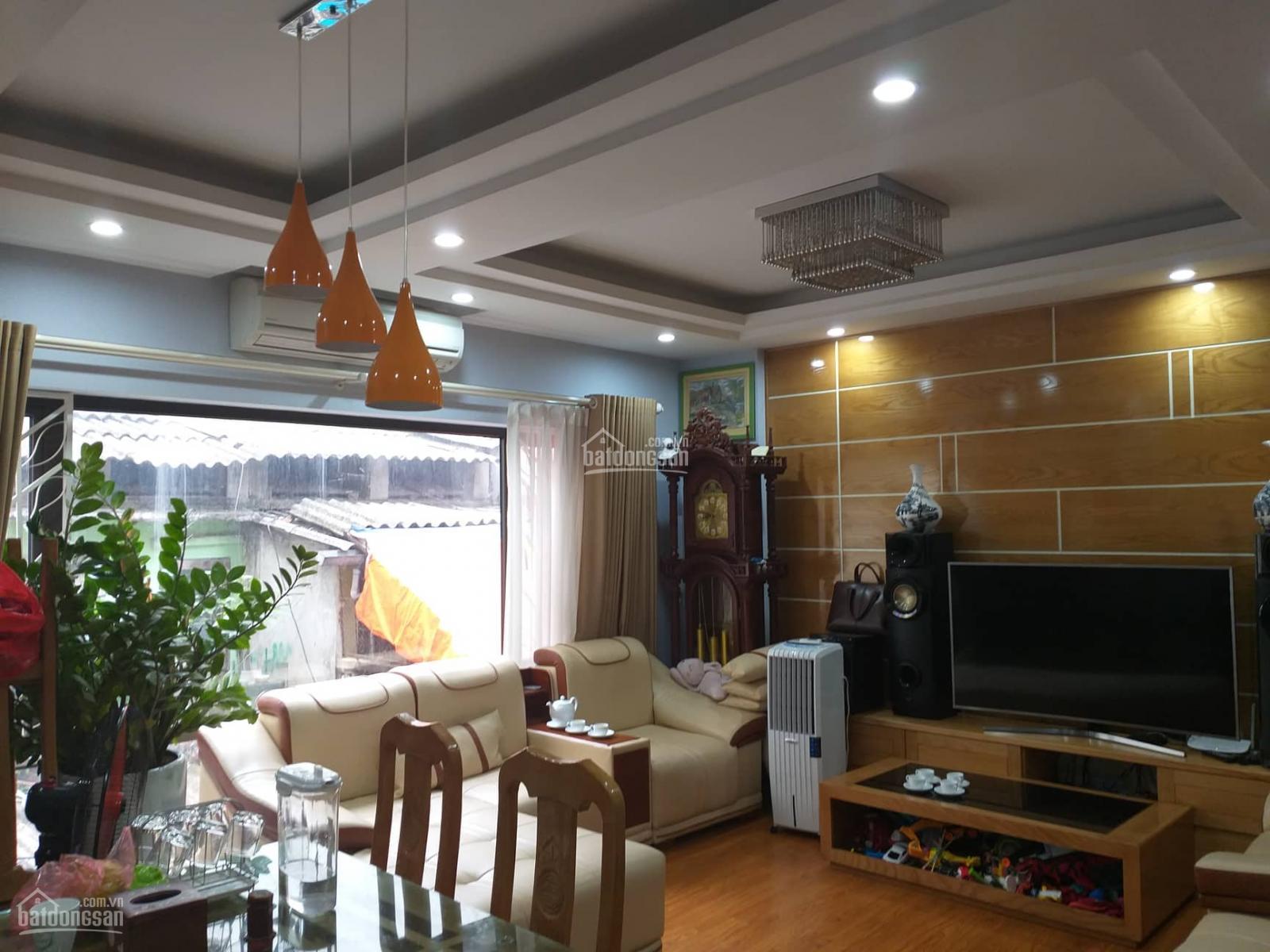 chi tiết Chính chủ bán gấp nhà KD ngõ 165 đường Cầu Giấy Nguyễn Văn Huyên kéo dài 65 m2 ,5T, mt5m, giá 11tỷ LH: 0904222012