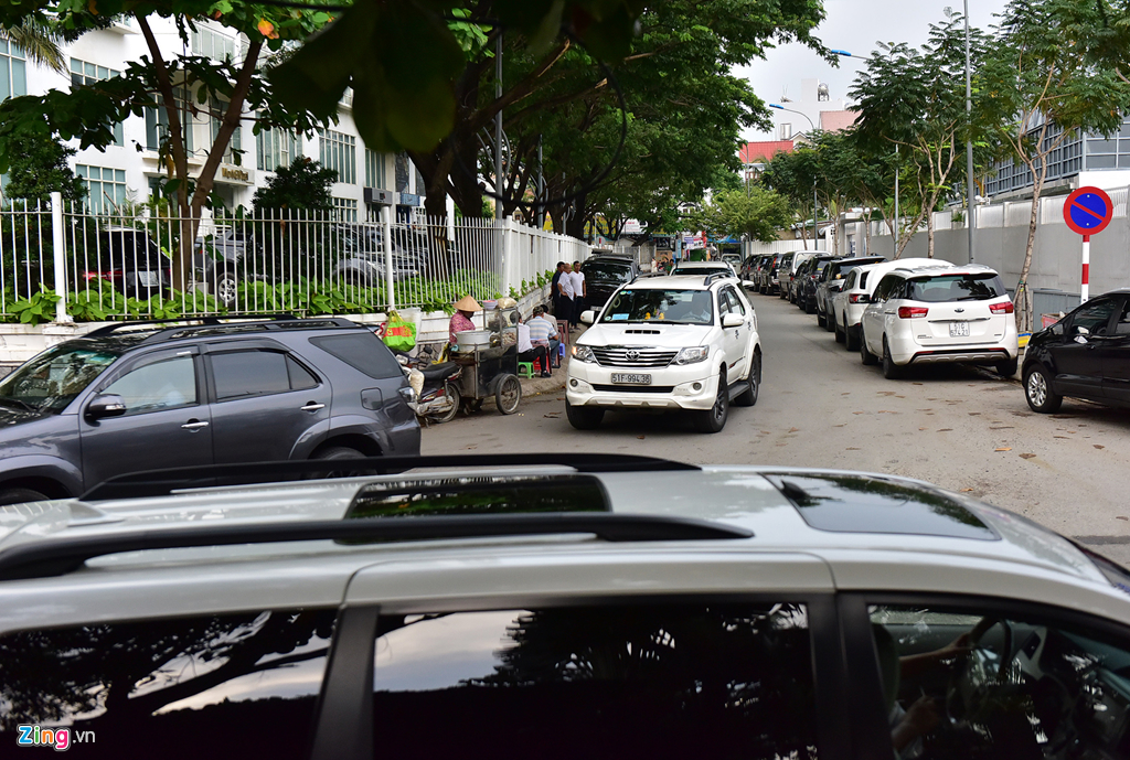tắc đường khu Thảo Điền