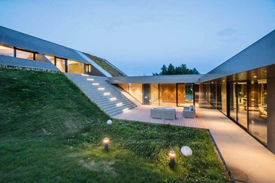 Nhà mái cỏ phủ xanh