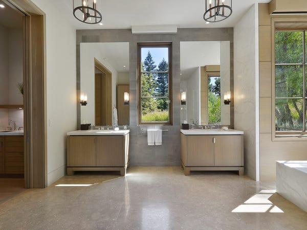 phòng tắm riêng