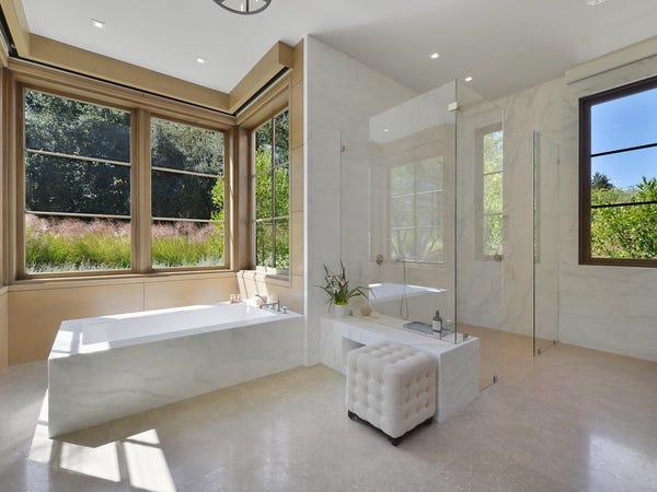 phòng tắm lớn