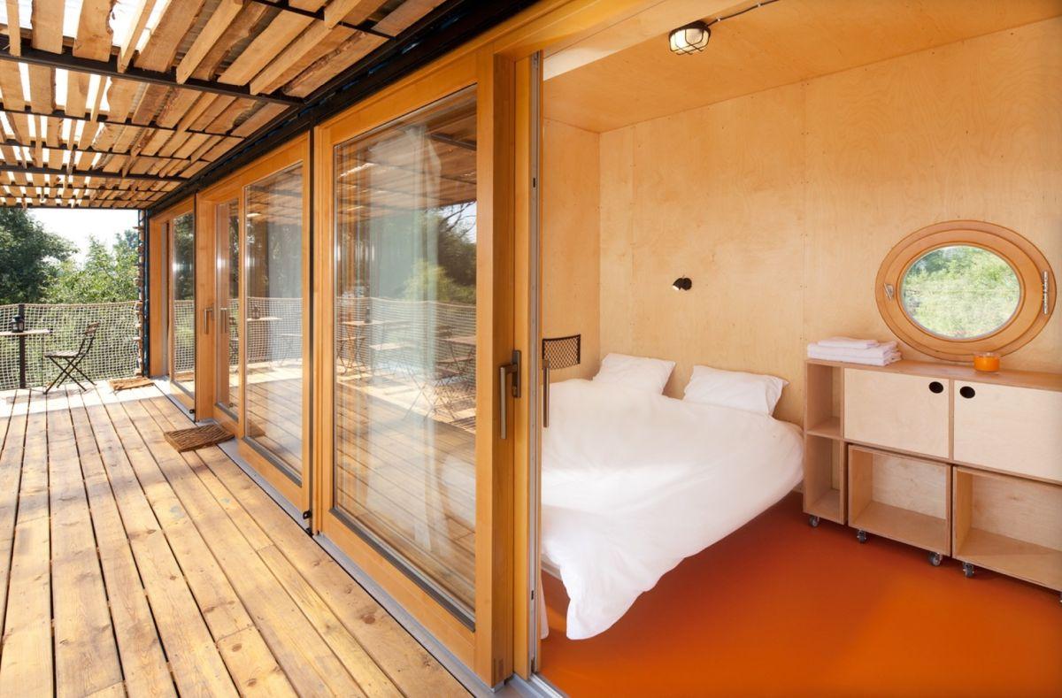 phòng ngủ trong khách sạn container