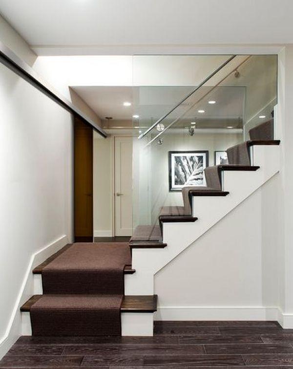 thiết kế tường kính cầu thang
