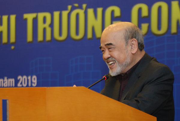giáo sư Đặng Hùng Võ phát biểu tại hội thảo về hành lang pháp lý condotel