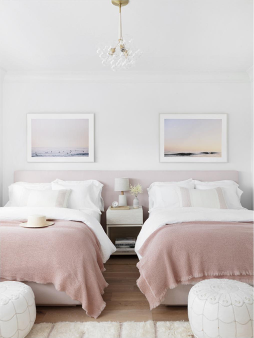 bộ đôi giường phủ chăn màu hồng phấn