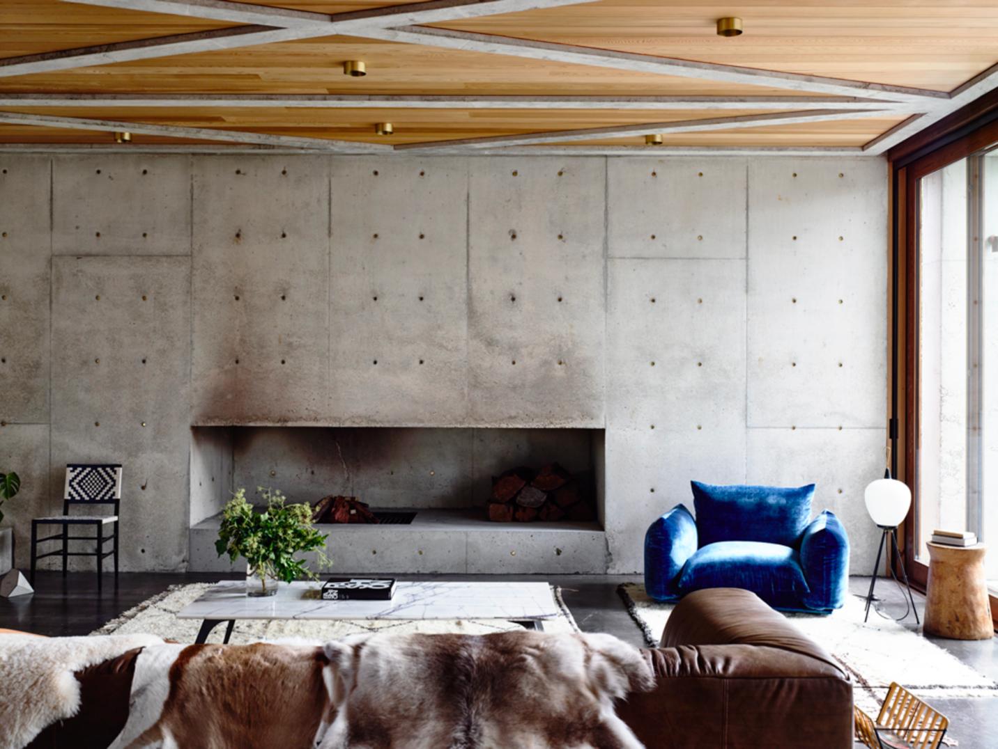 phòng khách với sofa và ghế tựa êm ái