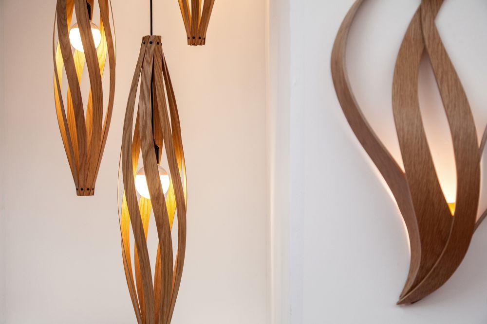 đèn thả trần bằng lá gỗ thon dài