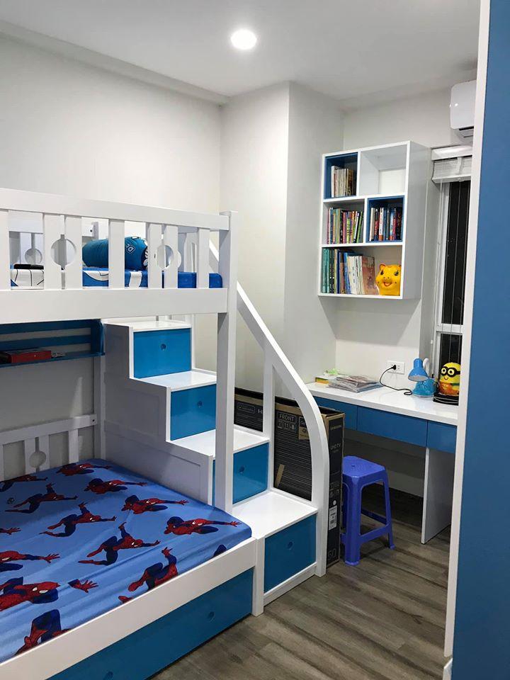 giường tầng màu trắng, xanh dương