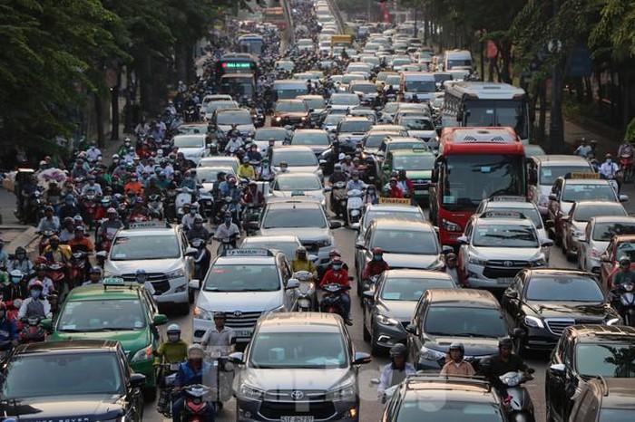 ùn tắc giao thông, các phương tiện không thể di chuyển