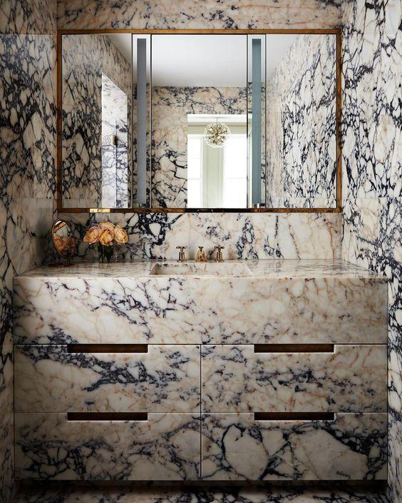 phòng tắm ốp lát đá cẩm thạch