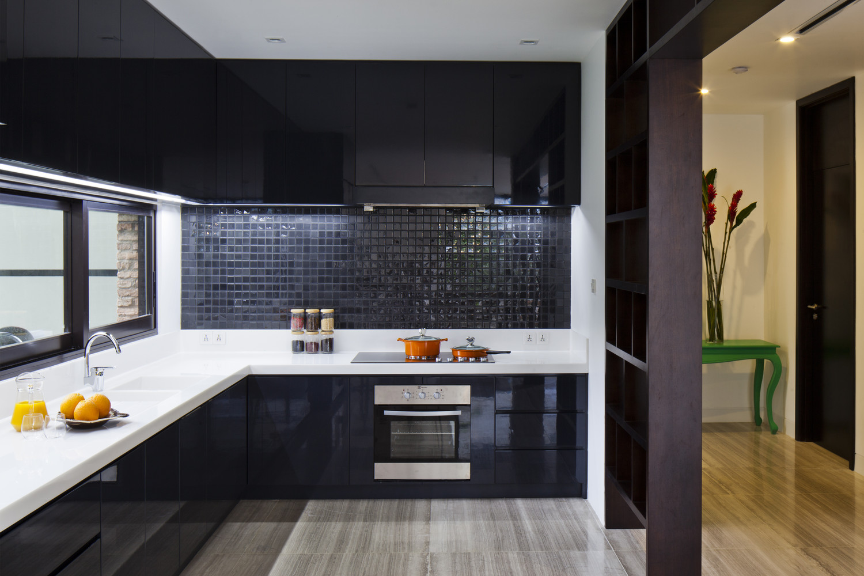 phòng bếp màu đen