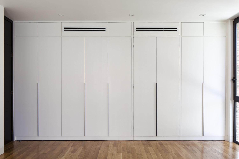 hệ cửa màu trắng