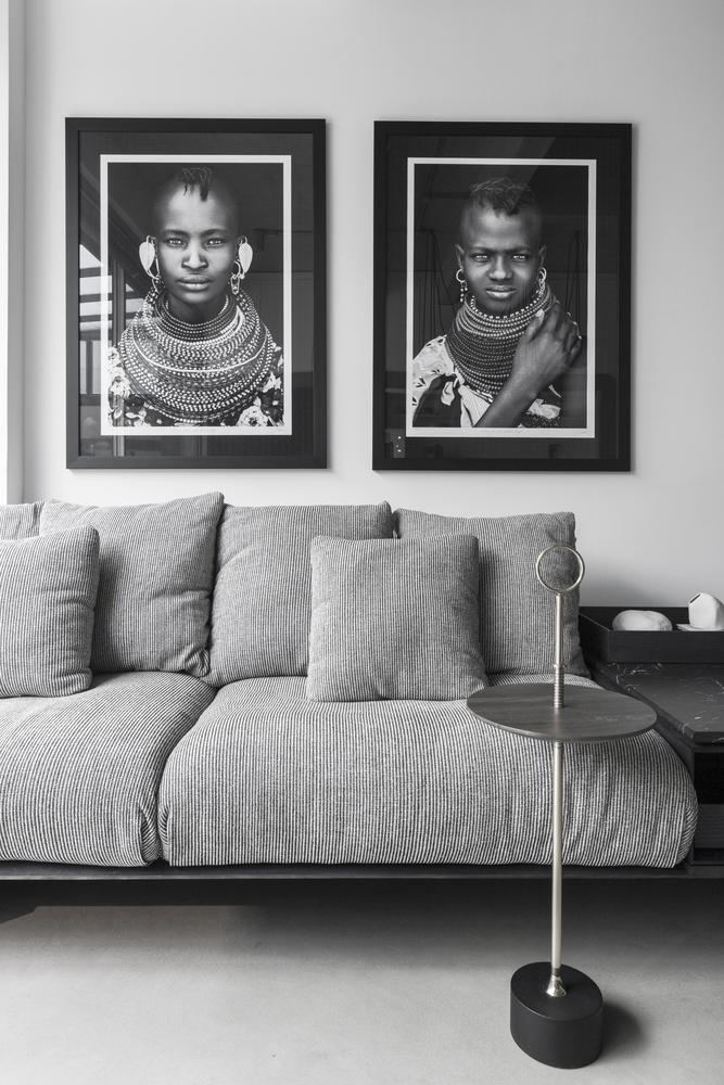 bộ sofa xám trong phòng khách