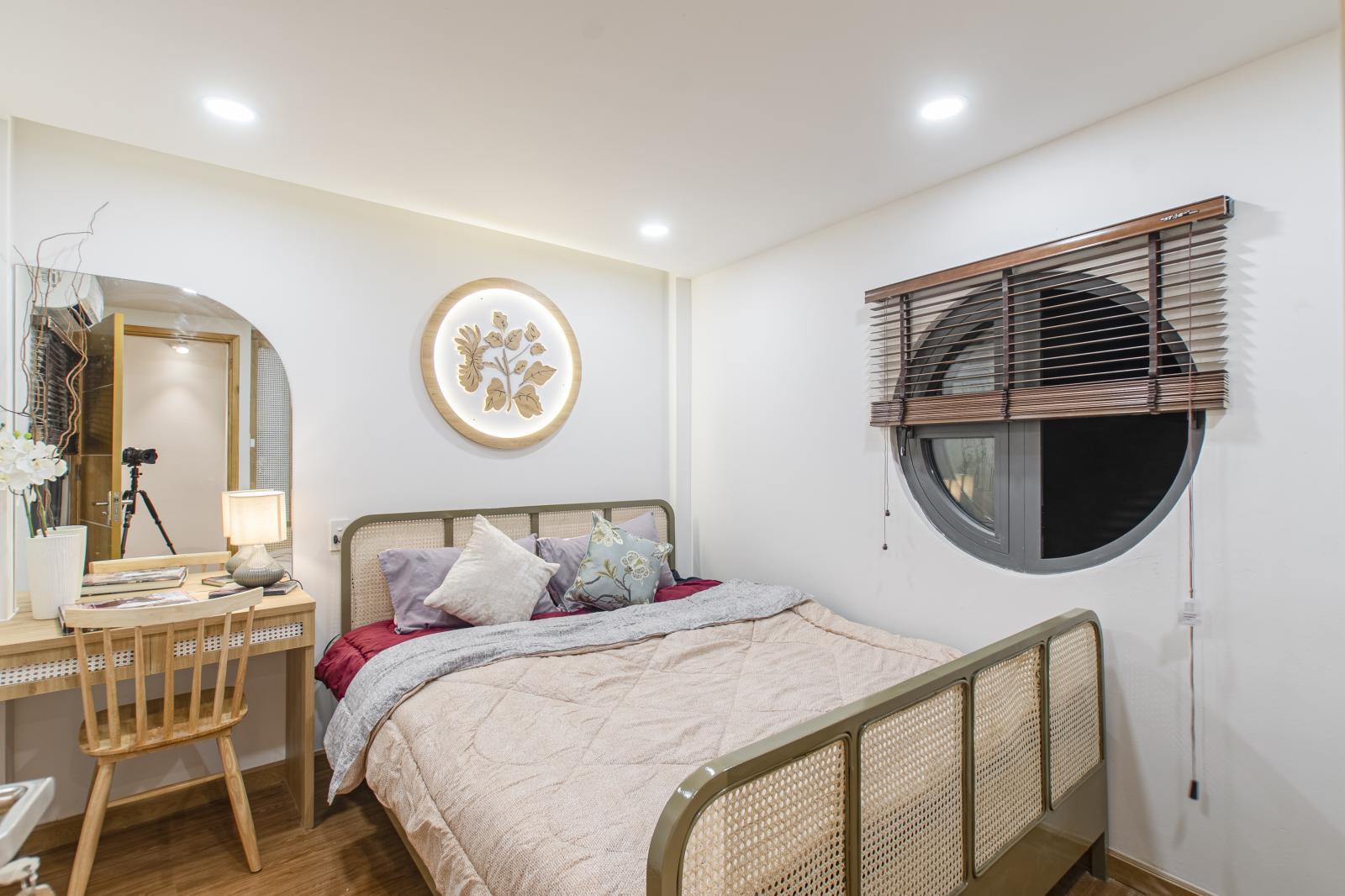 phòng ngủ hiện đại với gam màu trắng
