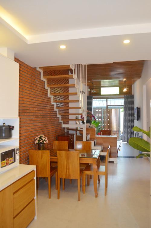"""Khám phá nhà 4 tầng lệch đẹp với nội thất """"mộc"""" 20200221174109-f8fe"""