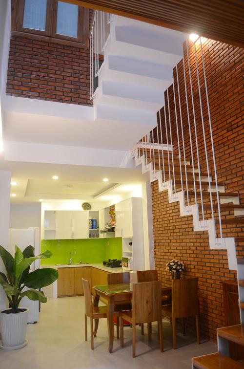 """Khám phá nhà 4 tầng lệch đẹp với nội thất """"mộc"""" 20200221174200-1eb0"""