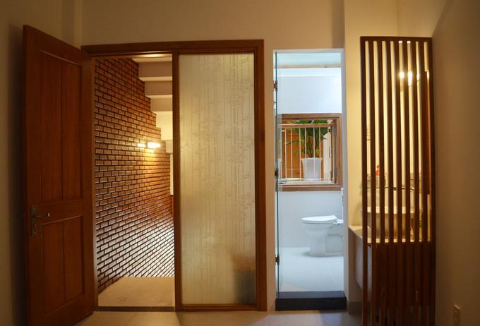 """Khám phá nhà 4 tầng lệch đẹp với nội thất """"mộc"""" 20200221174456-600c"""