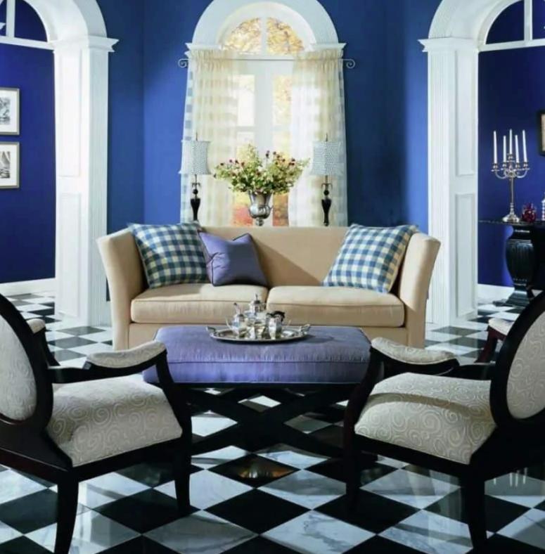 phòng khách nhỏ với bức tường sơn màu xanh việt quất