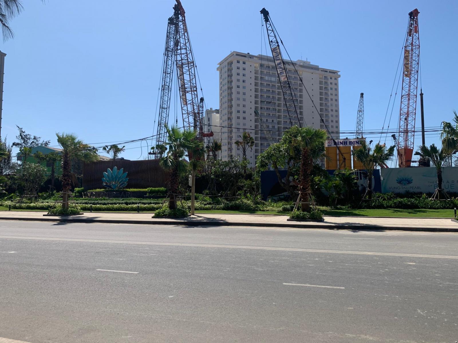 Dự án chung cư tại Bà Rịa - Vũng Tàu sắp hoàn thiện, xung quanh nhiều cẩu tháp