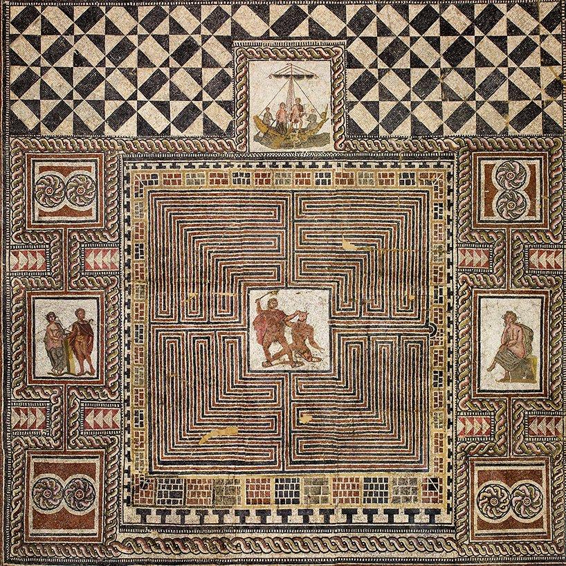 tấm thảm La Mã