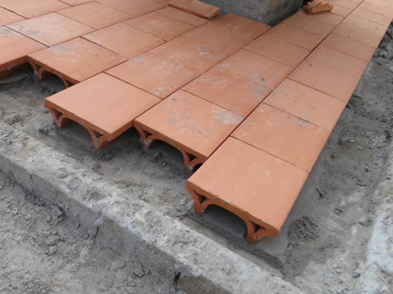 lát gạch chống nóng cho mái nhà