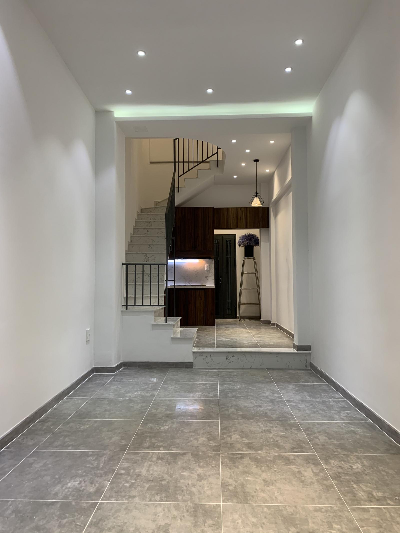 Không gian bên trong nhà, cầu thang