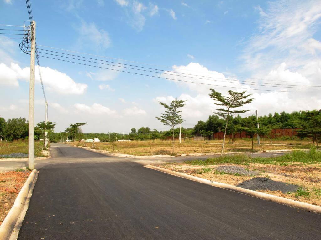 đường dự án đang hoàn thiện