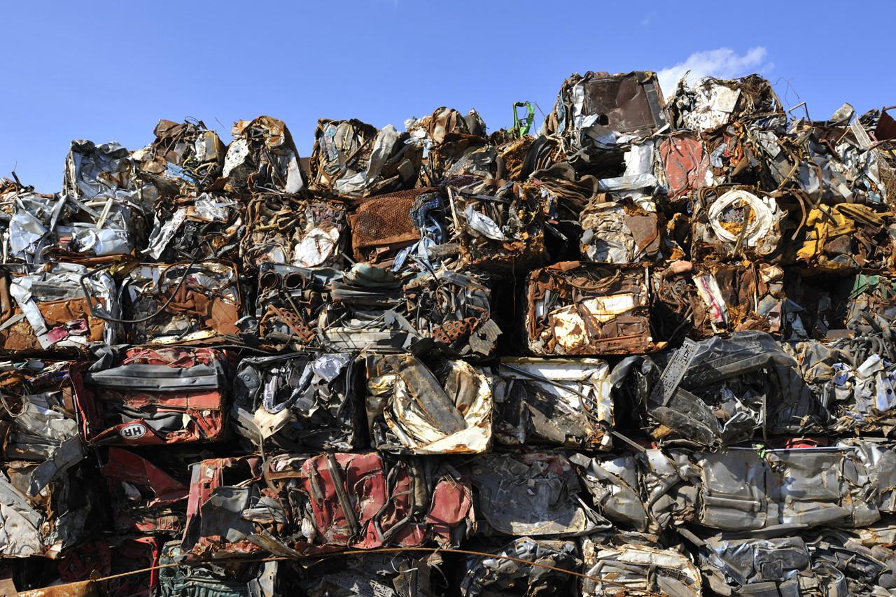 Bãi rác thải từ vật liệu xây dựng
