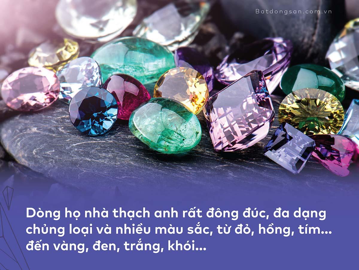 Những viên đá thạch anh nhiều màu sắc.