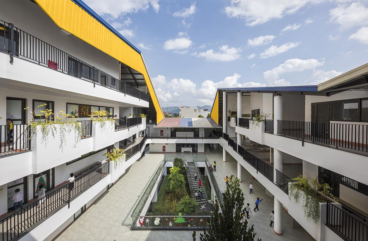Khuôn viên trường học