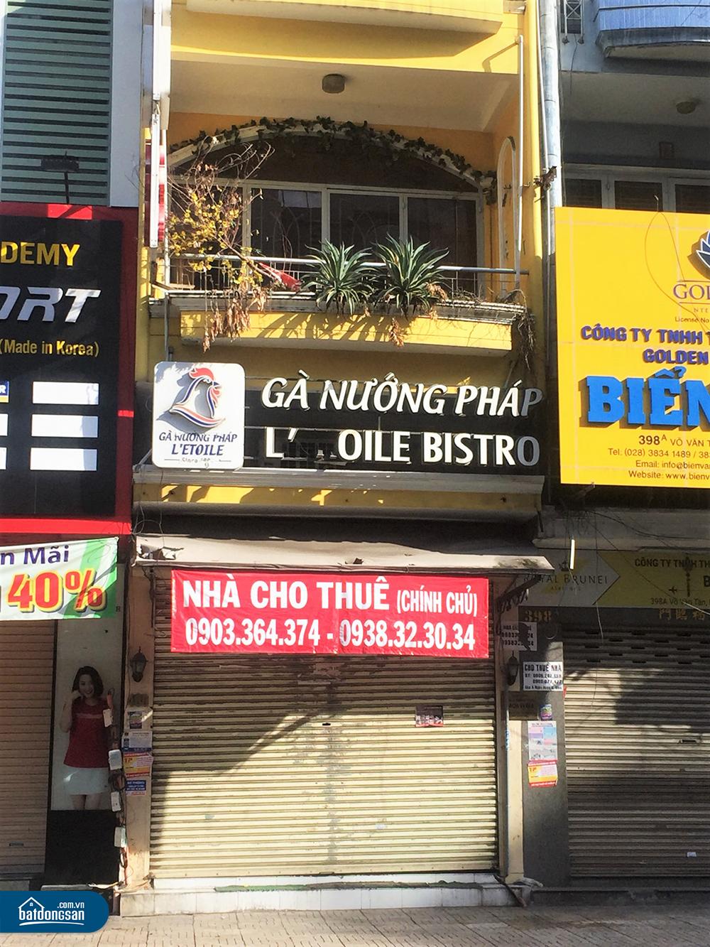 Nhà mặt tiền đường Võ Văn Tần treo biển cho thuê.