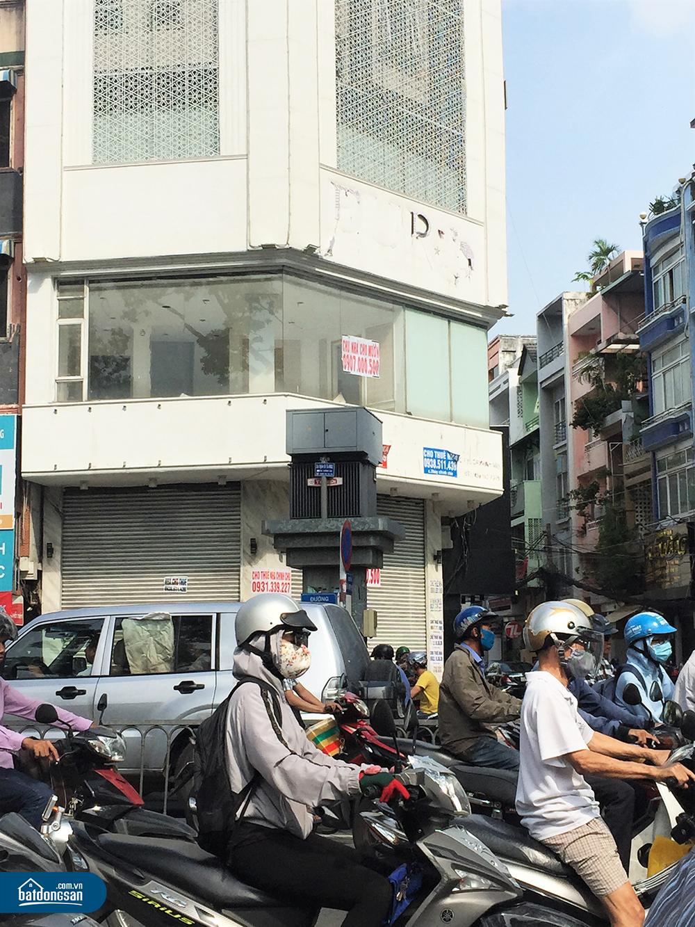 Chào thuê nhà mặt phố ngã ba đông đúc đường Điện Biên Phủ.
