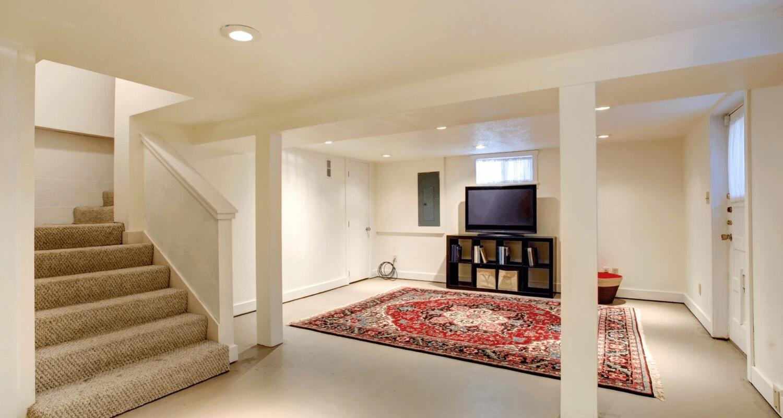 Ngôi nhà trước khi rao bán được dọn sạch sẽ và bỏ bớt vách ngăn.