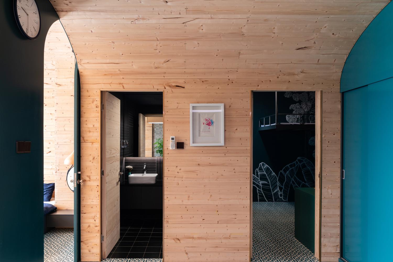Thiết kế hệ khung mái vòm vừa đảm bảo tính thẩm mỹ, vừa làm tốt nhiệm vụ phân chia không gian