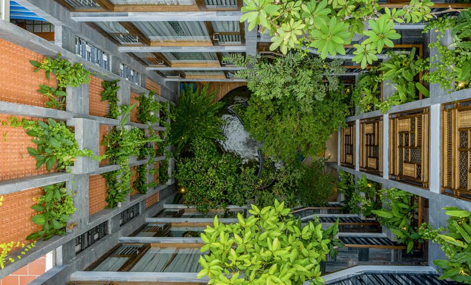 Khách sạn chụp từ trên cao