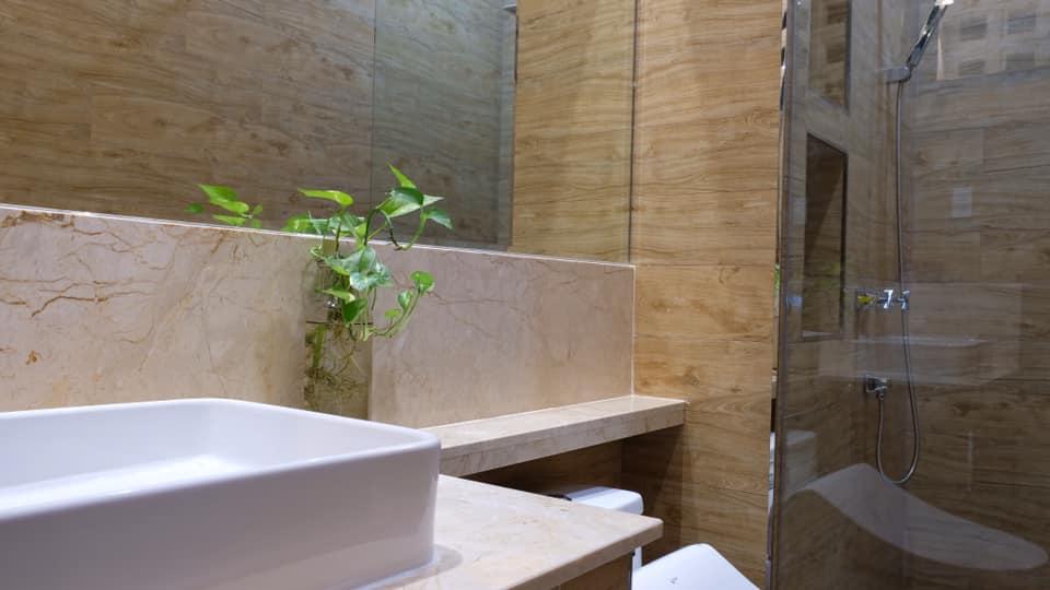 lavabo của nhà vệ sinh