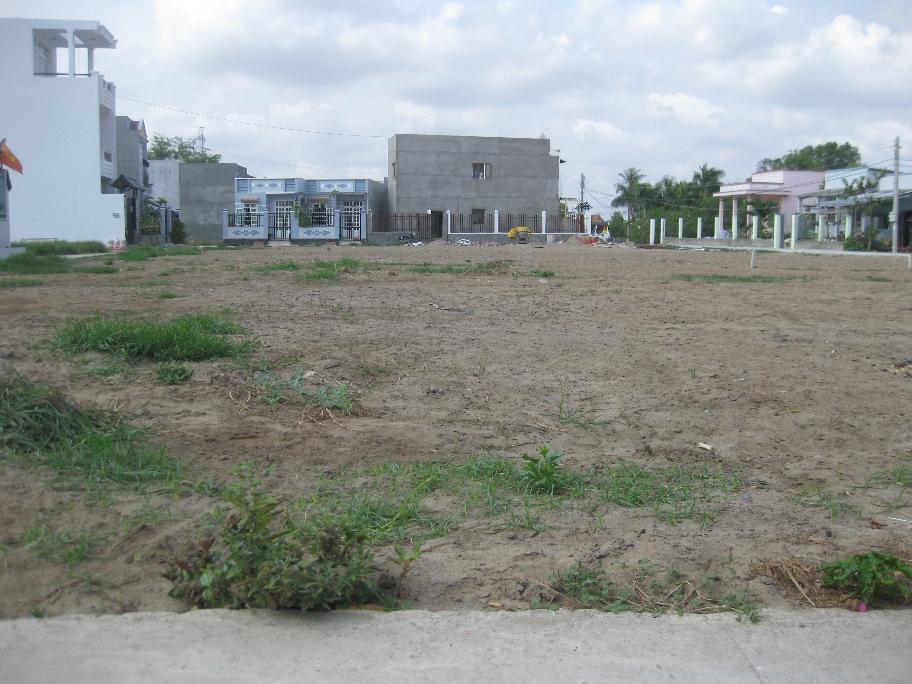 mảnh đất thổ cư có nhiều nhà đã xây dựng xung quanh