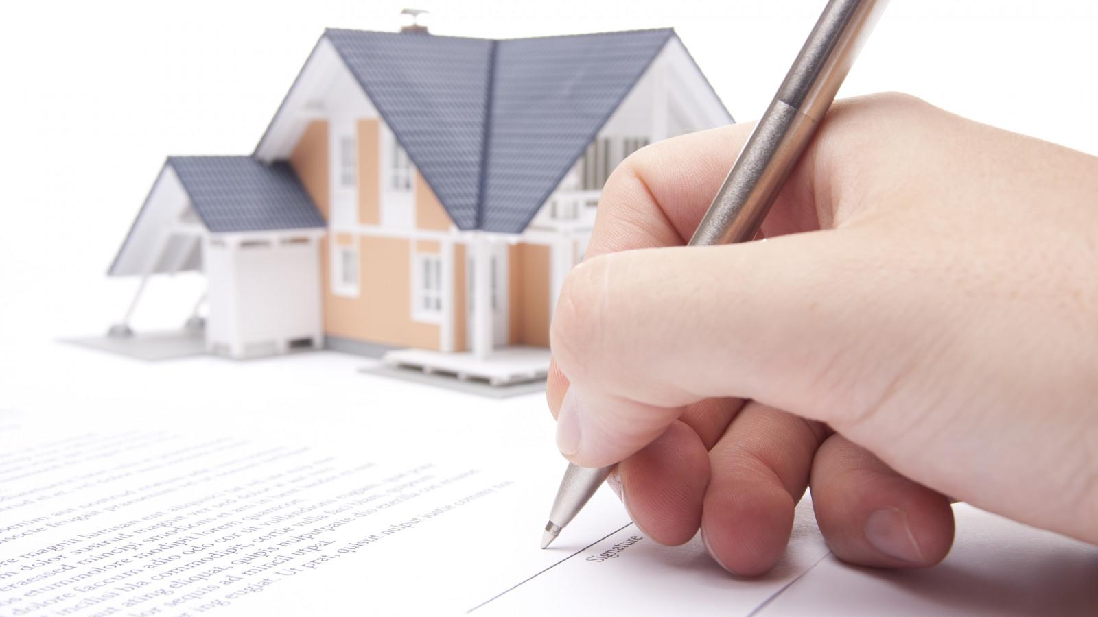 Hợp đồng mua bán đất bằng giấy viết tay có giá trị pháp lý không?