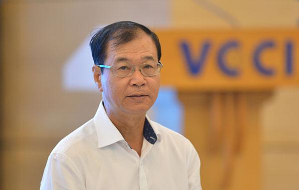 ảnh ông Nguyễn Mạnh Hà, Chủ tịch Hội Môi giới phát biểu tại hội thảo