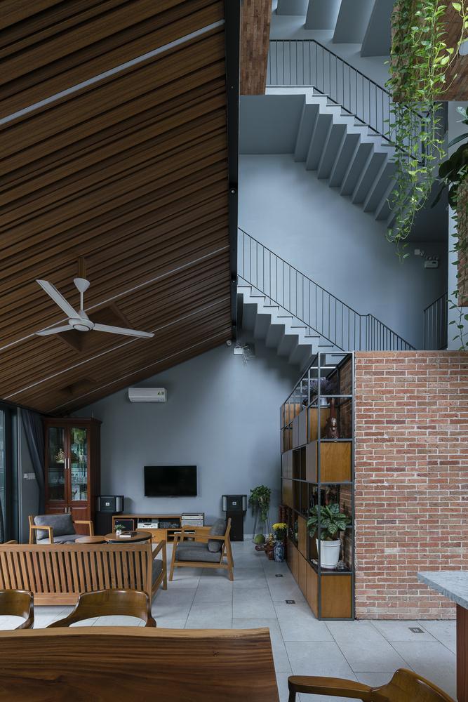 Không gian nội thất nhà ống lệch tầng