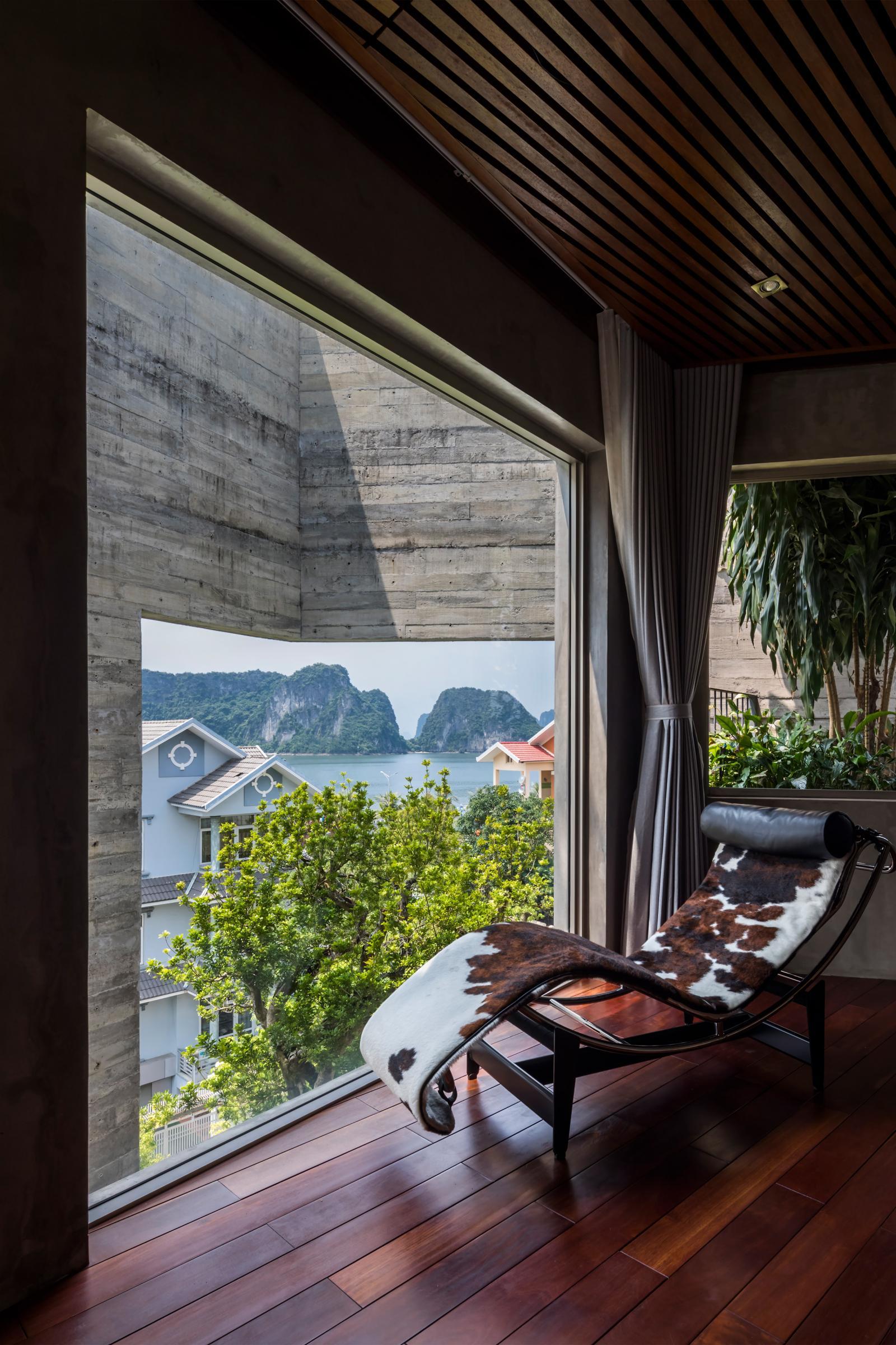 Từ trong phòng nhìn ra view vịnh Hạ Long