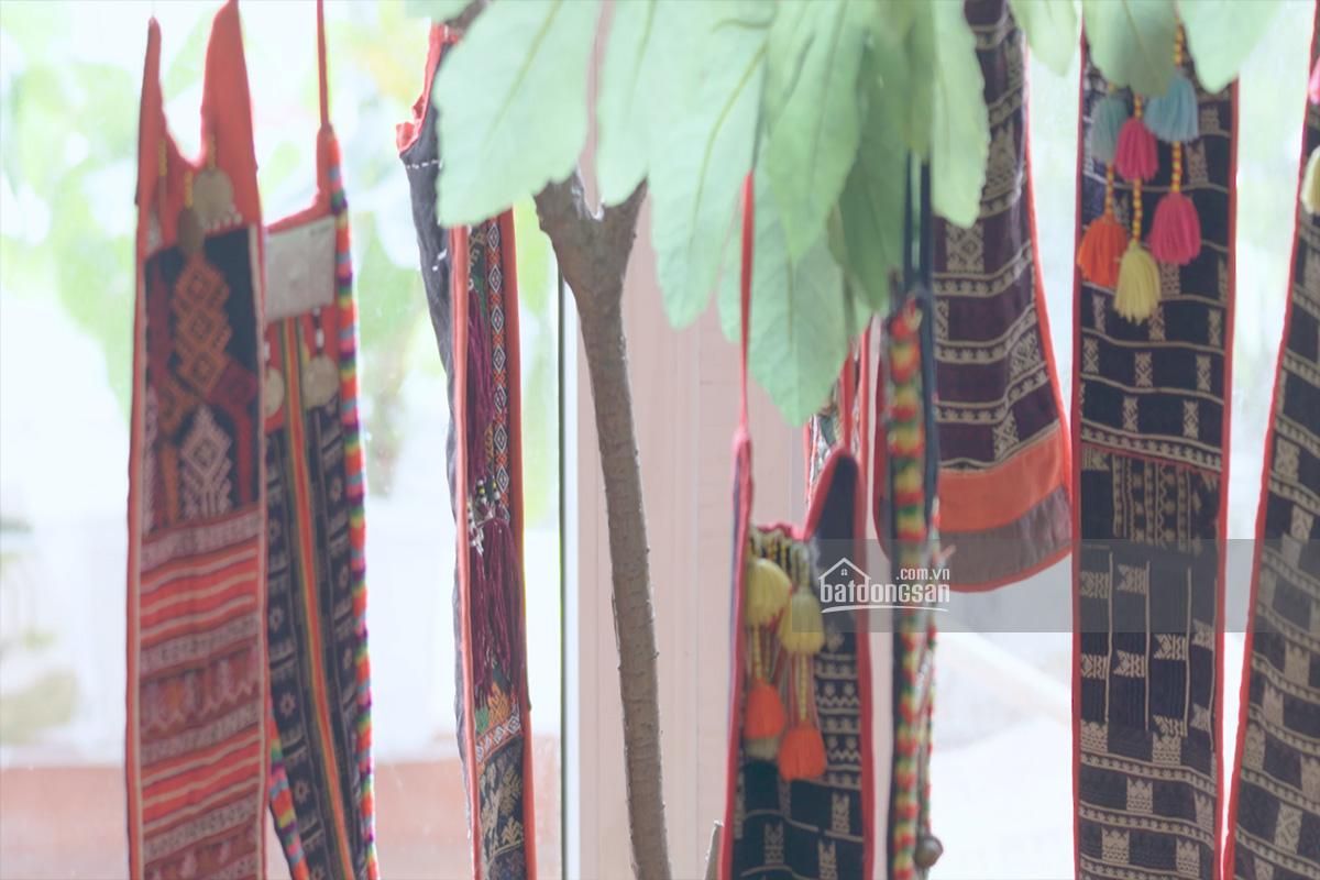 Vải thổ cẩm trang trí ban công