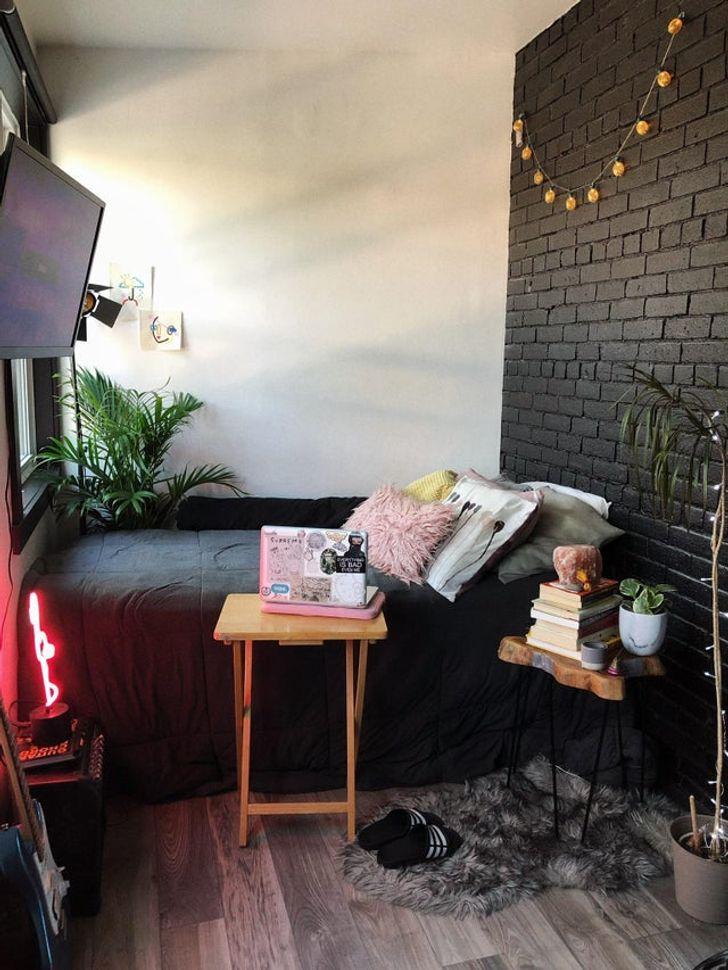 Phòng ngủ diện tích nhỏ nhưng tiện nghi đầy đủ, vừa vặn