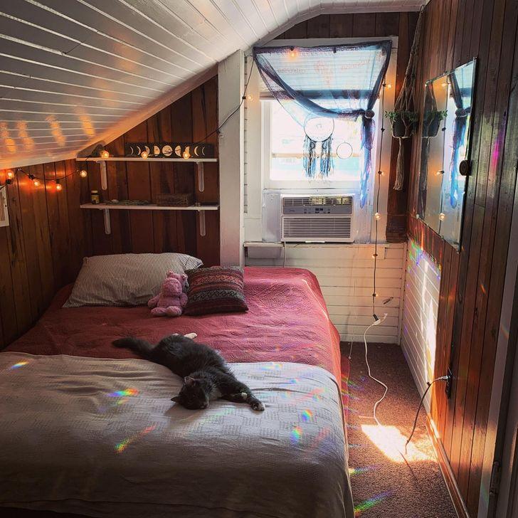 Phòng ngủ ấm cúng trên gác mái